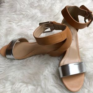 SHOE DAZZLE Nude and Silver Sandals
